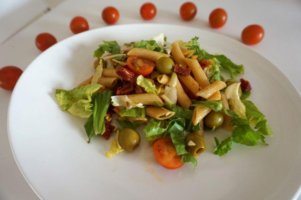 sałatka makaronowa z chorizo